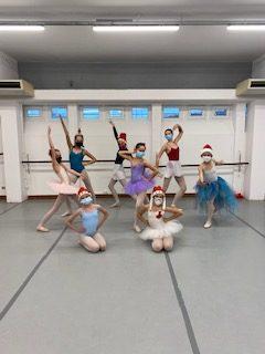 Noêl 2020-danseuses-fête-Centre Chorégraphique de Toulouse